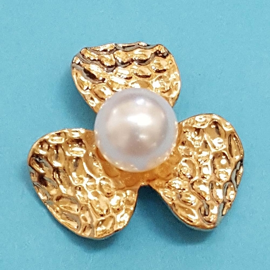 Flower With Pearl  Embellishment